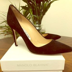 Size 37 1/2 black suede Manolo Blahnik. Worn twice